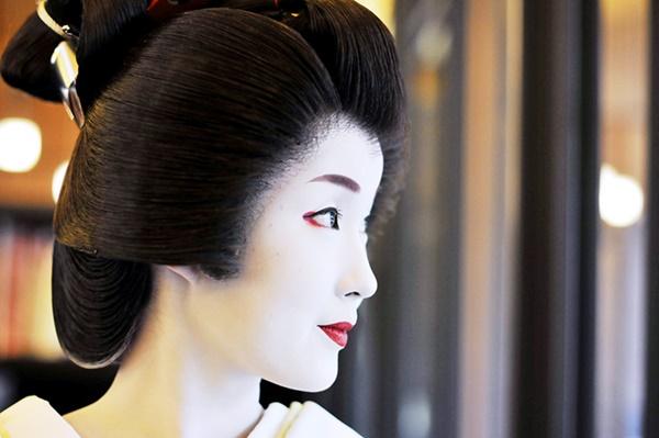 bi_mat_lam_dep_cua_geisha_hien_dai-nhat-ban