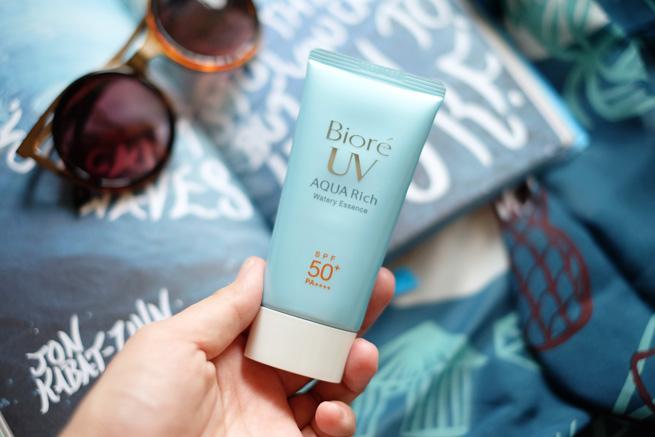 Biore-UV-Aqua-Rich-Watery_Essence