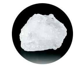 Thành phần chính của Deonatulle Soft Stone là đá Alum. Đây là một loại đá khoáng tự nhiên không màu không mùi.