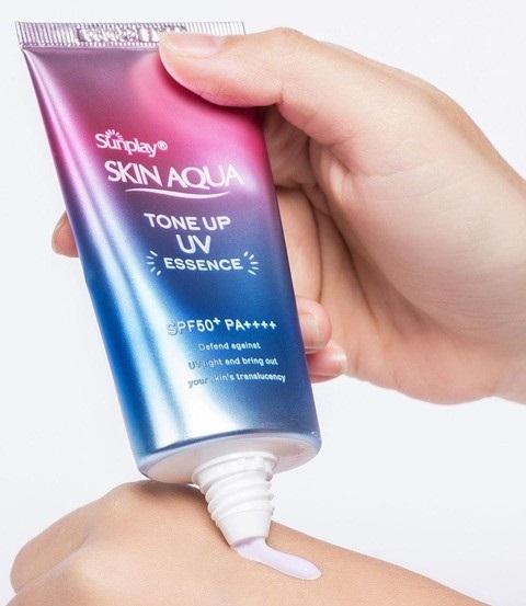 rohto skin aqua tone up uv essence spf50 pa 80g