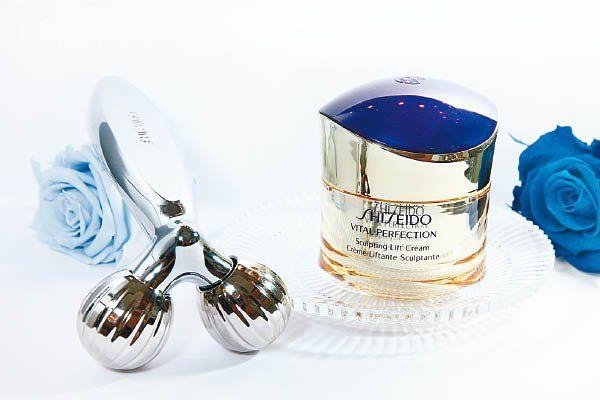 cong dung kem duong da nang co shiseido vital perfection sculpting lift cream